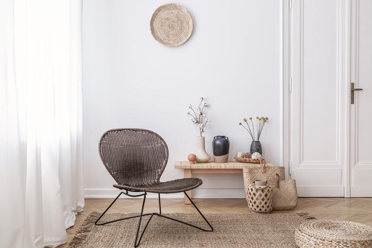 Luz natural silla blanco