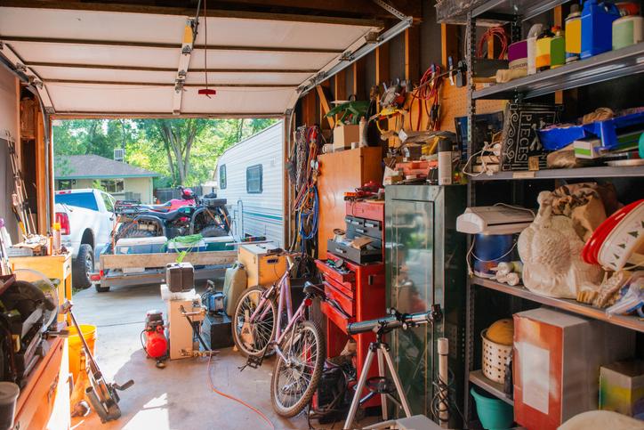 Trastero garaje lleno
