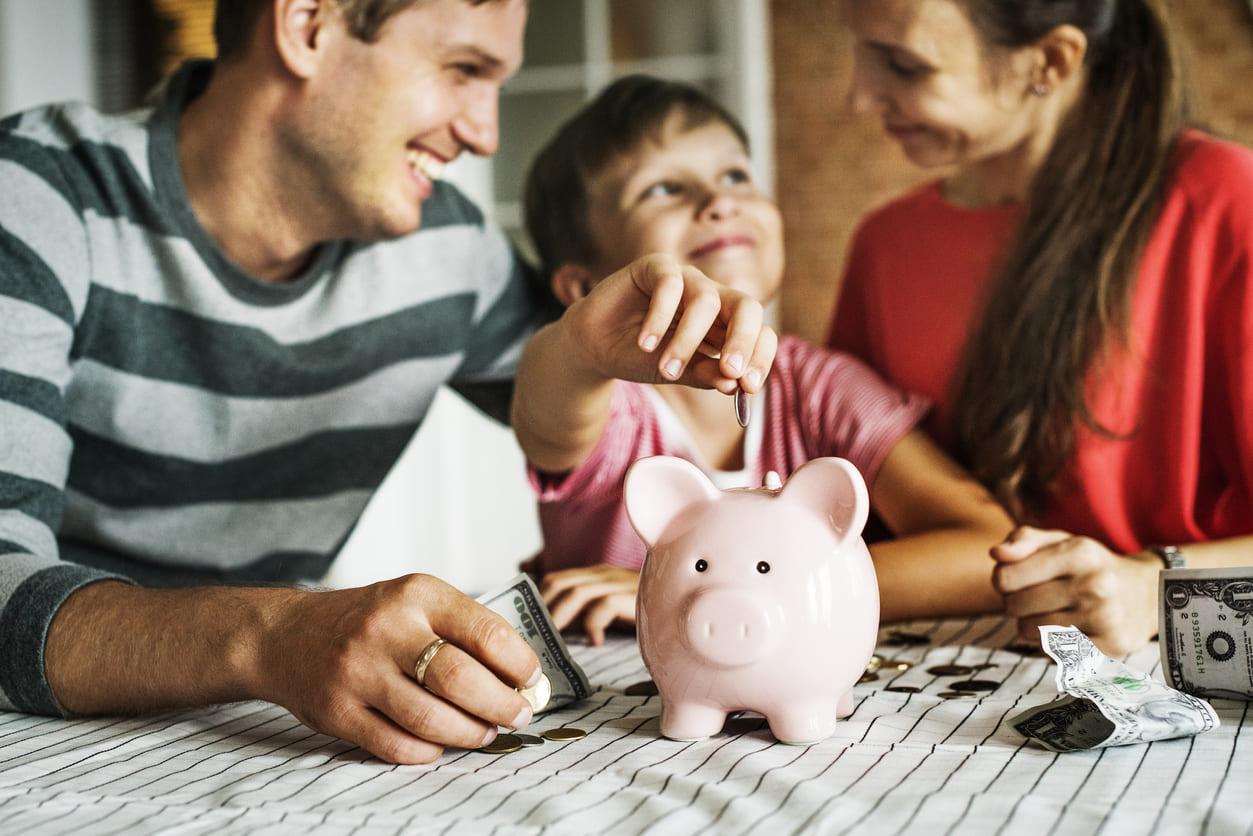 Consejos para ahorrar para el futuro de tus hijos