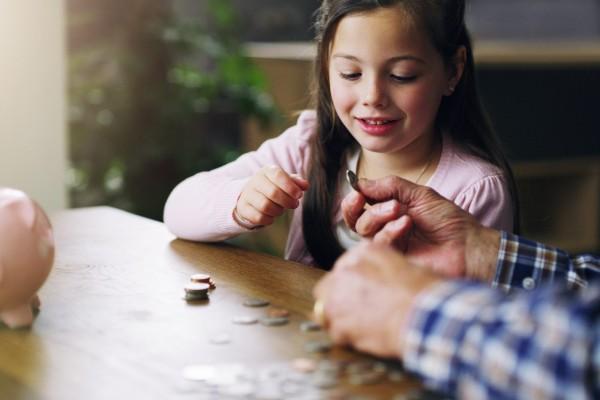 Enseña a ahorrar a tus hijos