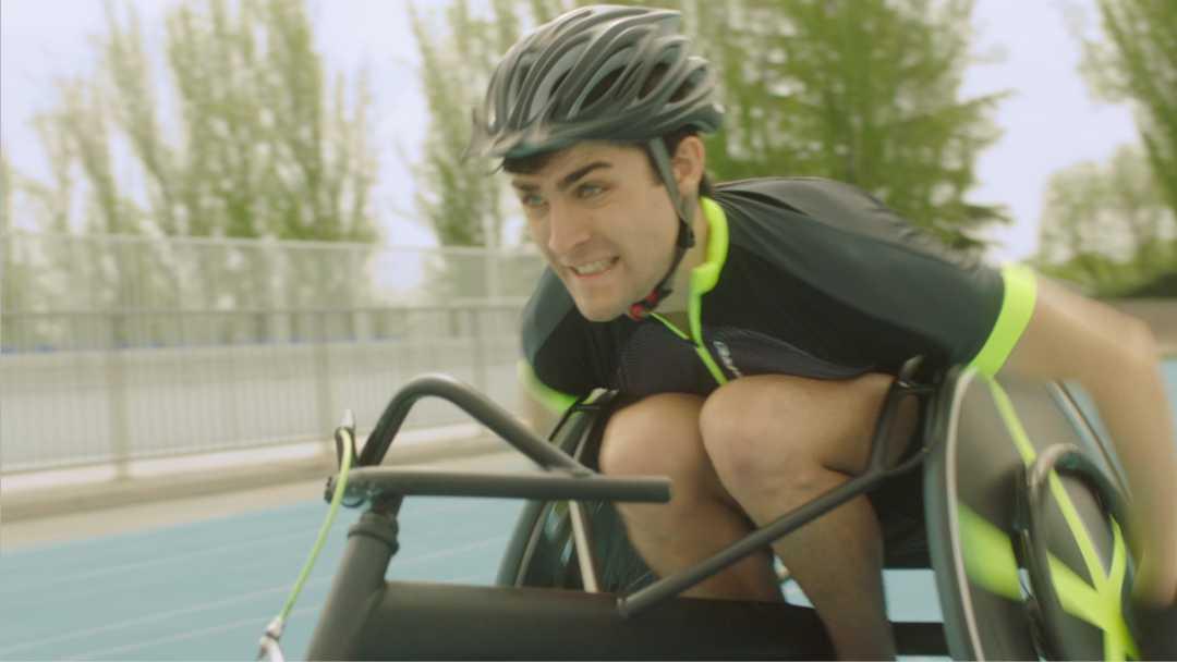 Carlos siempre ha querido ser atleta profesional.