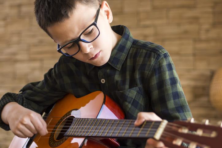 Financiar guitarra flamenca